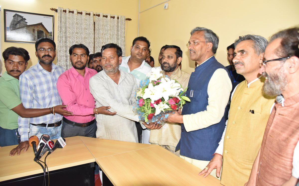 सफाई कर्मचारी संगठन ने की मुख्यमंत्री से मुलाकात लो बन गयी बात