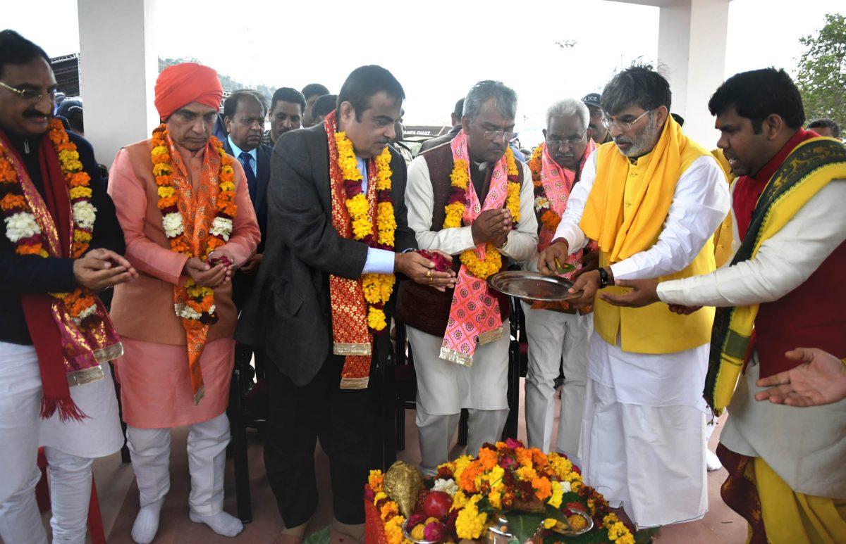 उत्तराखण्ड में 5555 करोड़ की एनएच परियोजनाओं का लोकार्पण व शिलान्यास