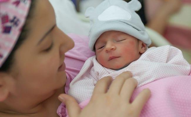 जानिए भारत में नए साल पर कितने बच्चों ने लिया जन्म